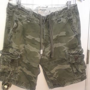 NWOT 34 ABERCROMBIE FITCH MENS CARGO SHORTS DISTRE
